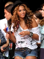 Beyonce Knowles in hotpants